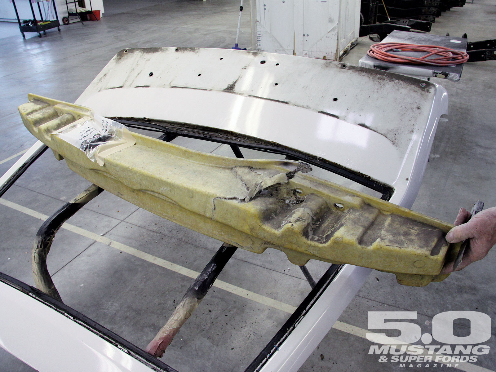 M5lp_1008_06_o 1988_ford_mustang_lx Collision_damage_fascia_support