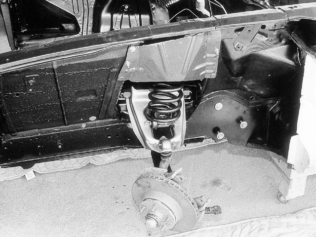 Mump 0002 07 Z Detail Front Suspension Spring Shield
