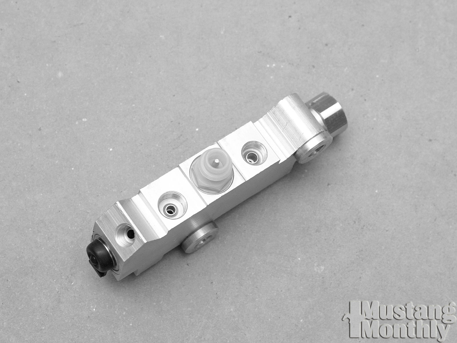 Mump 0308 12  Install Power Brake Booster  Distribution Block