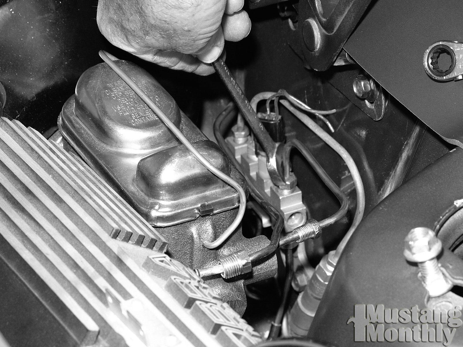 Mump 0308 20  Install Power Brake Booster  Tighten Hydraulic Lines