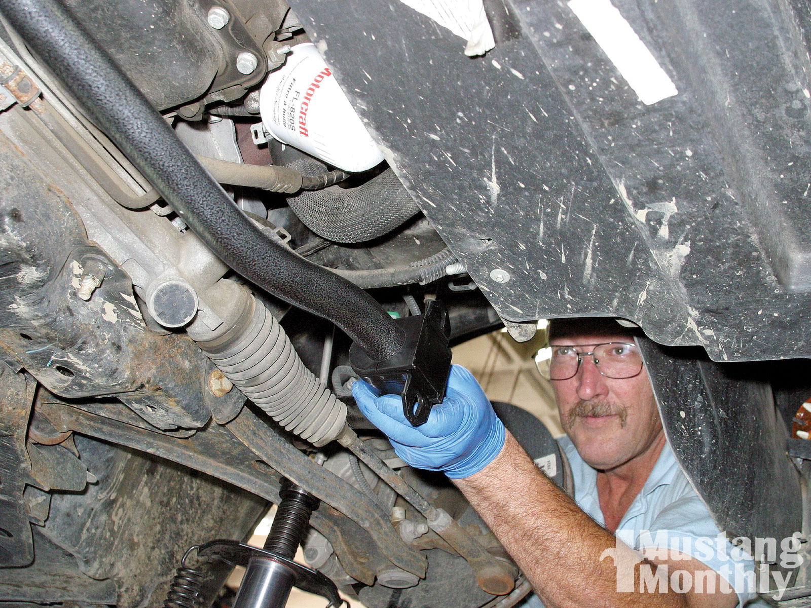 Mump 0910 01 Z How To Install 05 09 Sway Bars Cover Spread