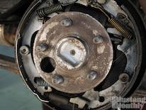 Mump_0504_53_ Baer_four_wheel_disc_brake_install _crusty_drums