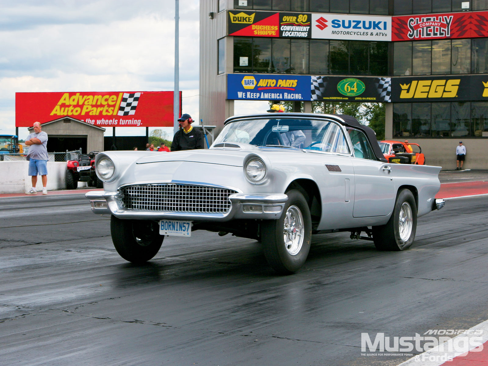 Nmra Y Block Shootout  1957 Thunderbird