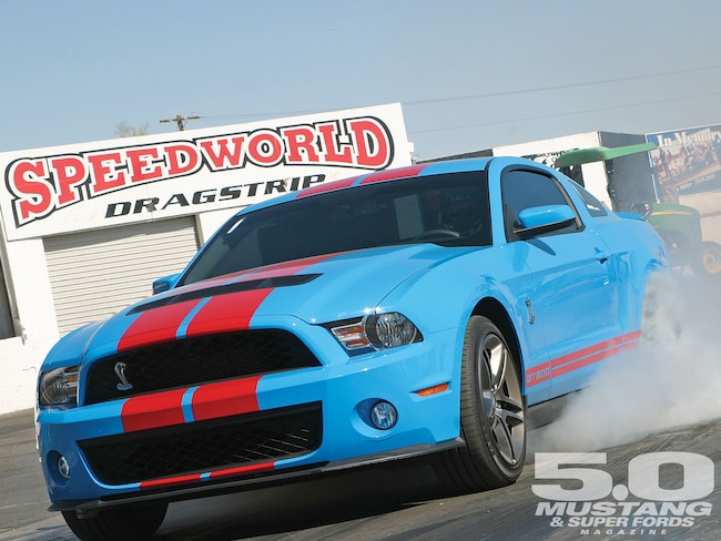M5lp 1010 01 O 2010 Ford Mustang Shelby Gt500 Burning Rubber