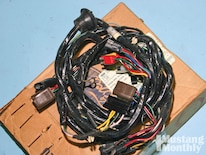 Mump_1104_05_o Inside_mustangs_etc Underhood_wiring_loom
