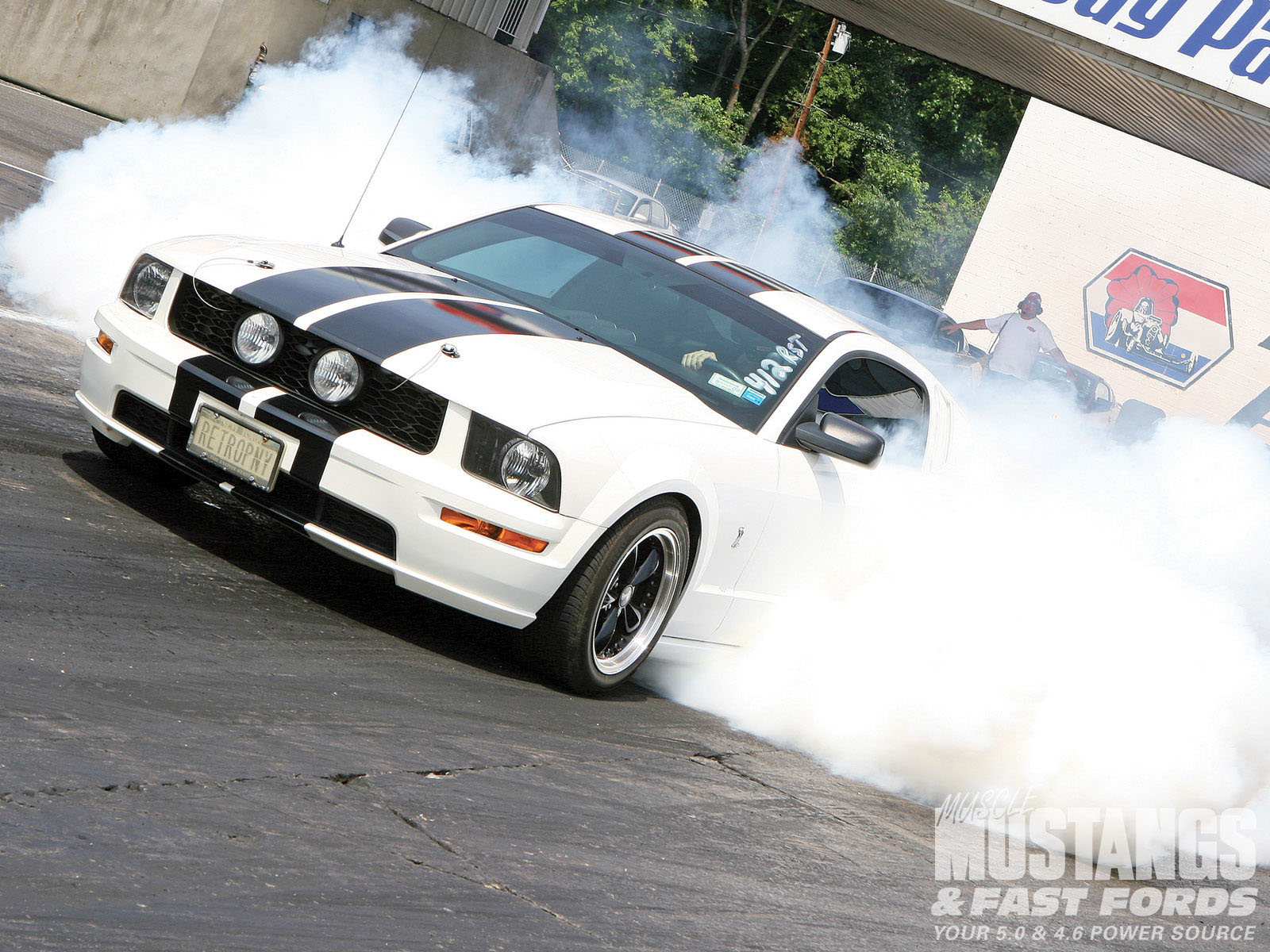 Mmfp 1002 07 2009 Fords E Town Mustang Burnout