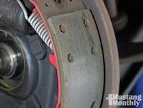 Mump_1103_04_o How_to_maximize_drum_brakes Brake_lining