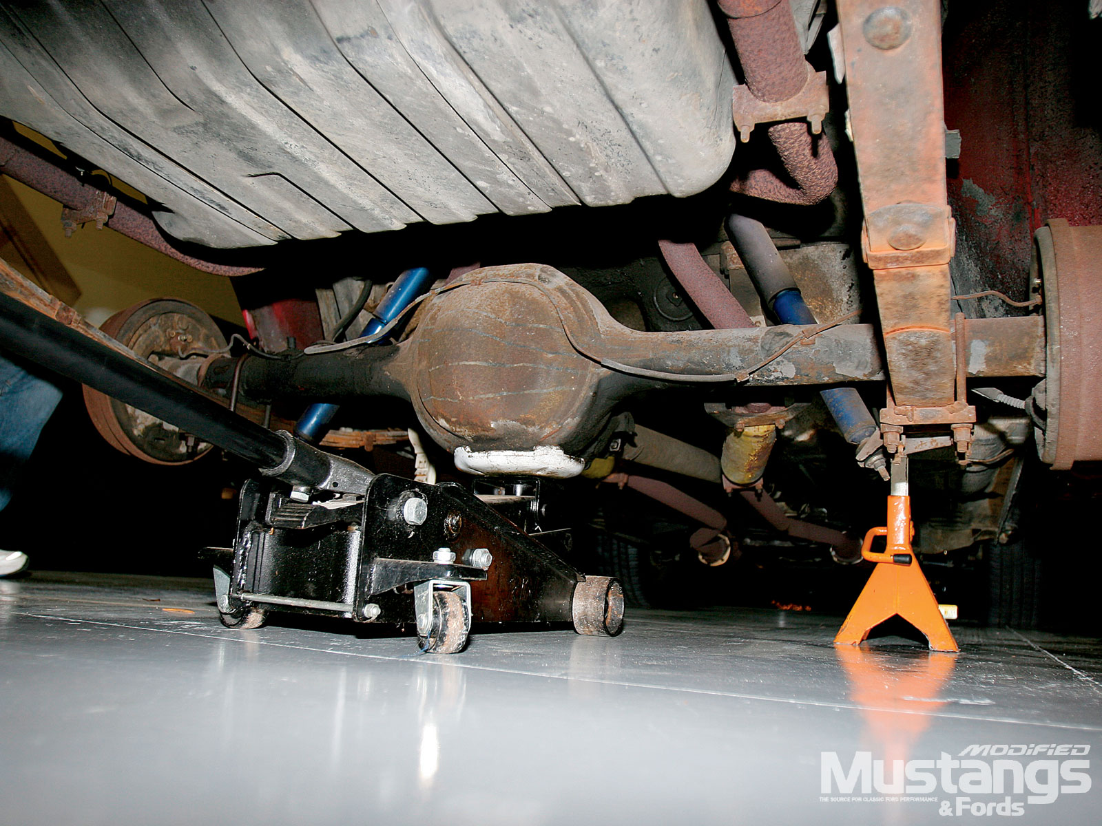 Mustangs Plus Super Starter Kit Install Axle Assembly