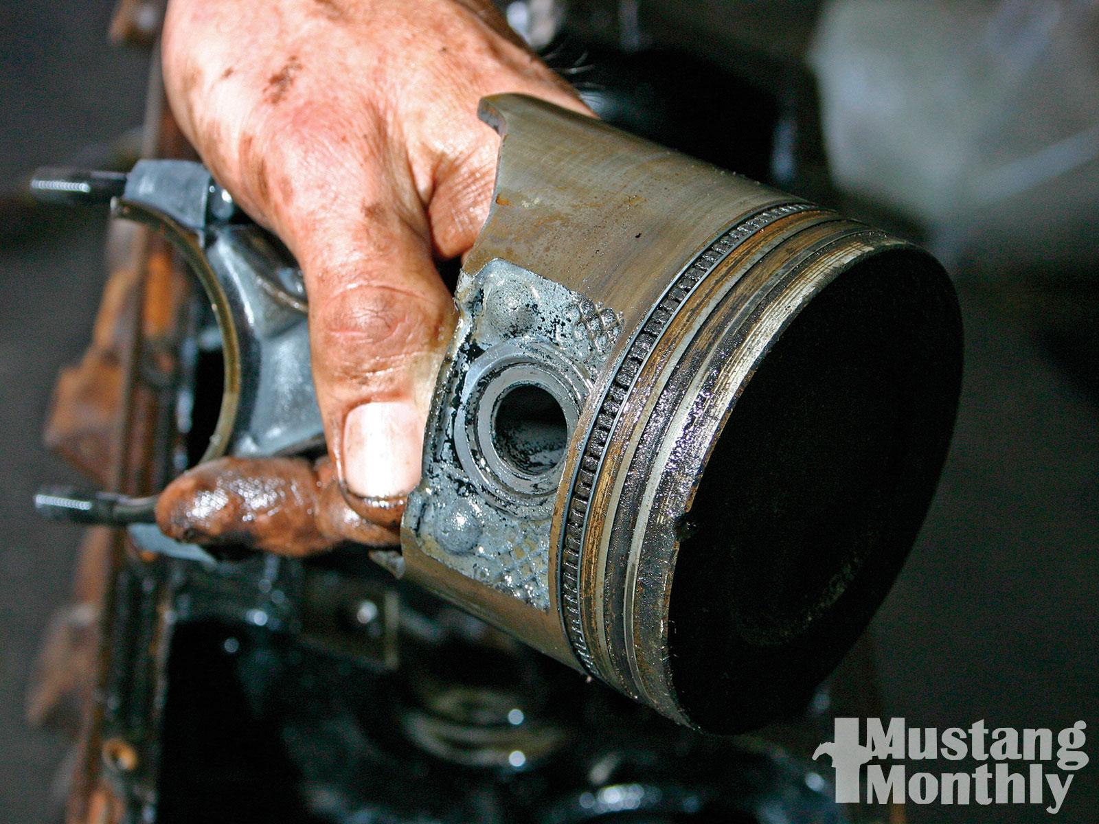 Mump 1004 06 O Mustang Oil Analysis Pistons And Rings