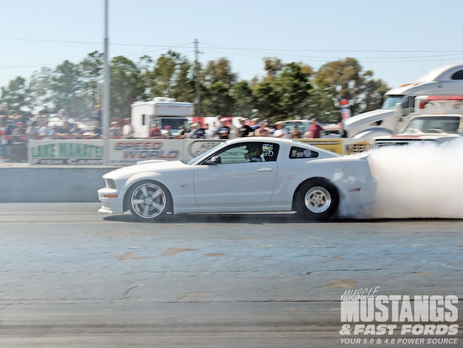 Mmfp 1007 01 O Ford Mustang S197 Burning Rubber