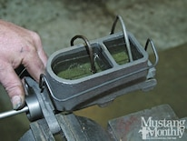 Mump 1111 How To Bench Bleed A Master Cylinder 002
