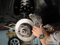 Mump_0504_44_ Baer_four_wheel_disc_brake_install _remove_caliper
