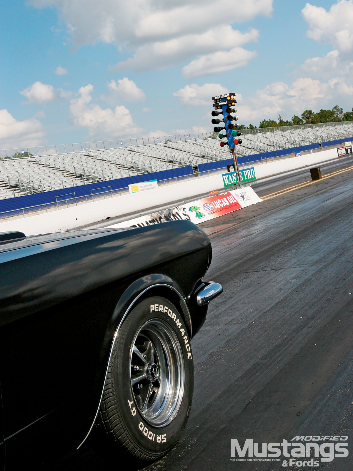 Classic Ford Drag Racing  Pre Stage Lights