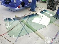 Mump_1204_001_installing_windshields_and_backlights_