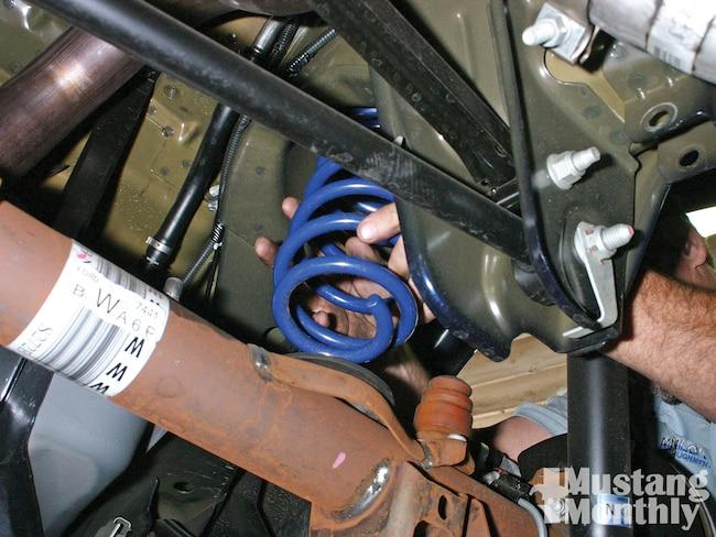 Mump 1102 01 O Ford Racing Springs For 2005 2011 Mustangs Positioning Springs