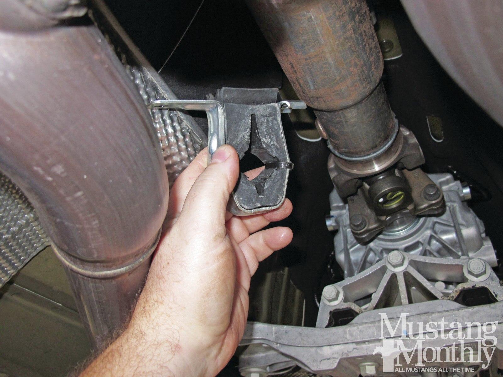 Mump 1204 008 Installing A Steeda Tri Ax Shifter