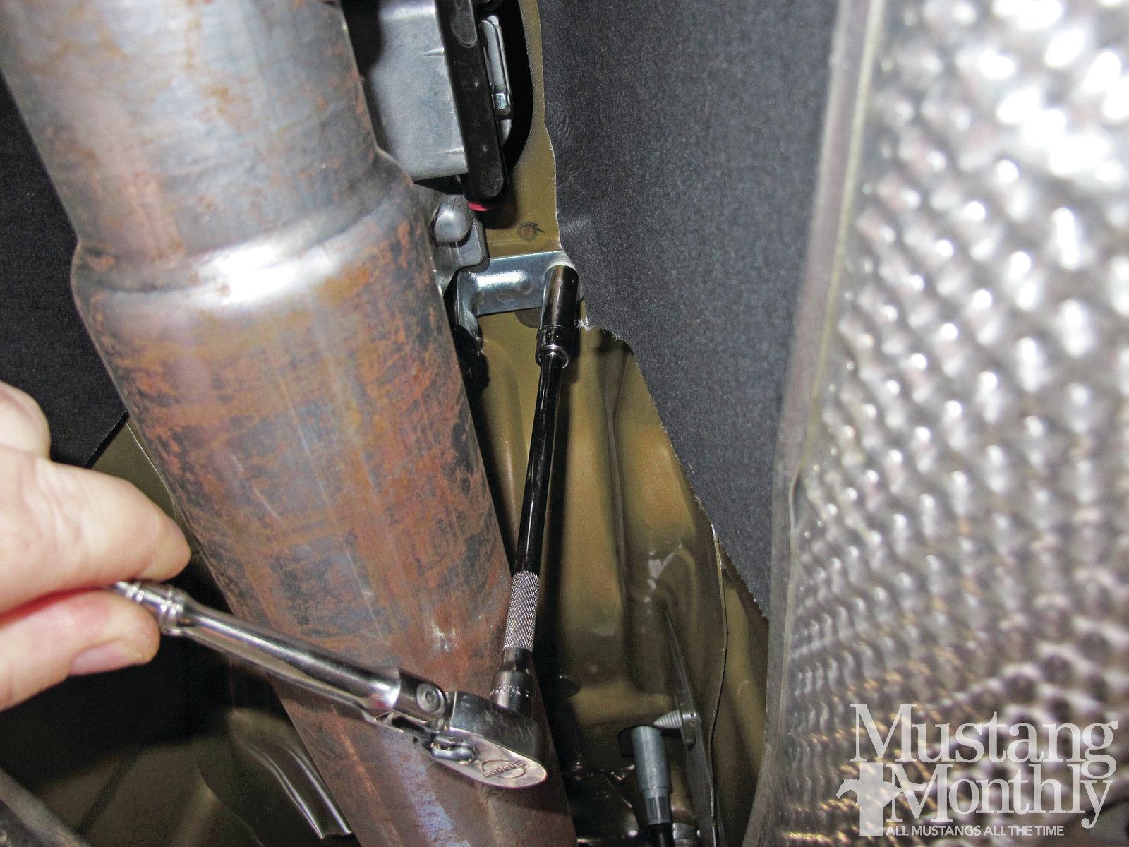 Mump 1204 012 Installing A Steeda Tri Ax Shifter