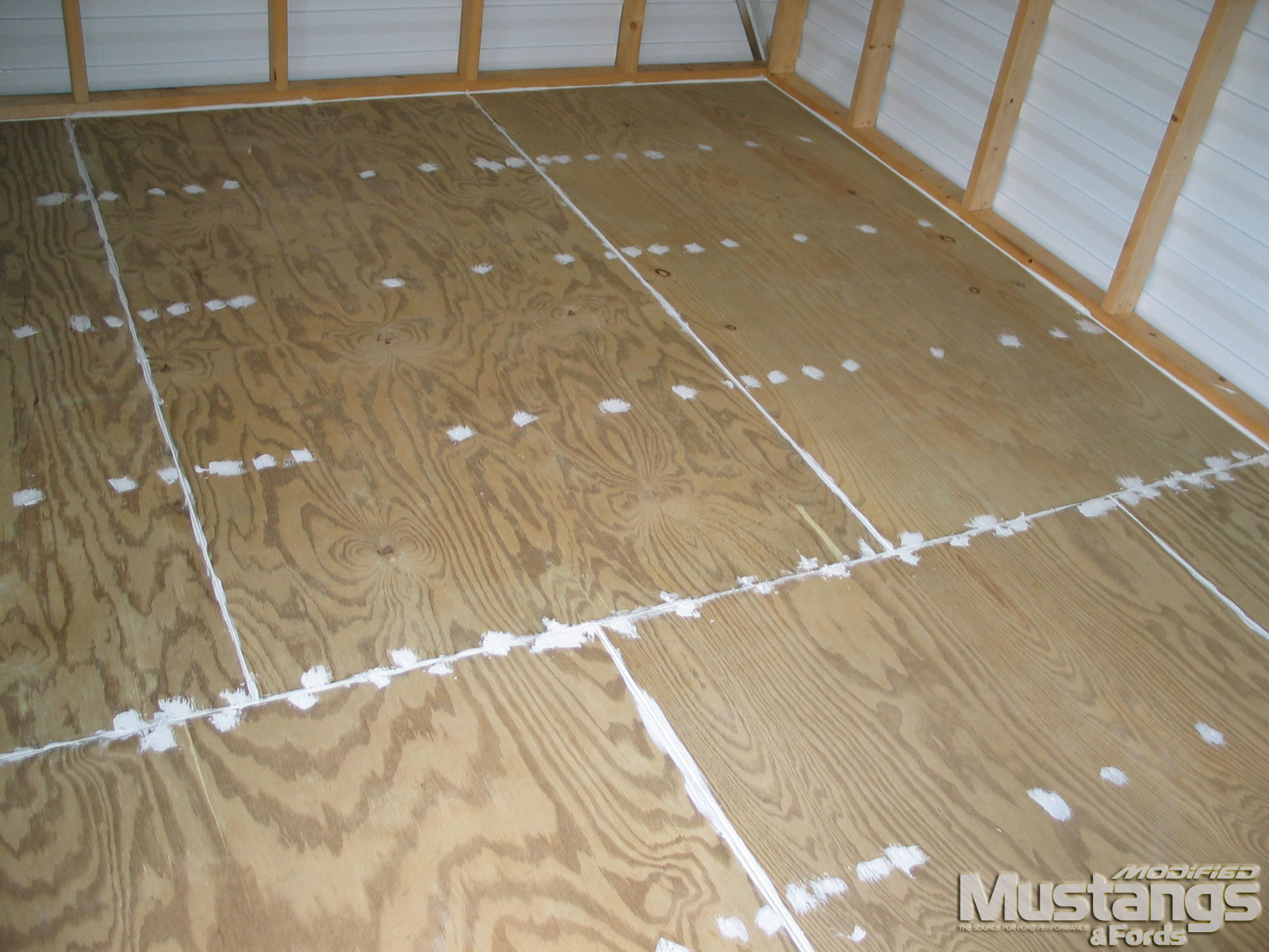 Mdmp 110916 Rock Solid Floors Garage Coat Install 05