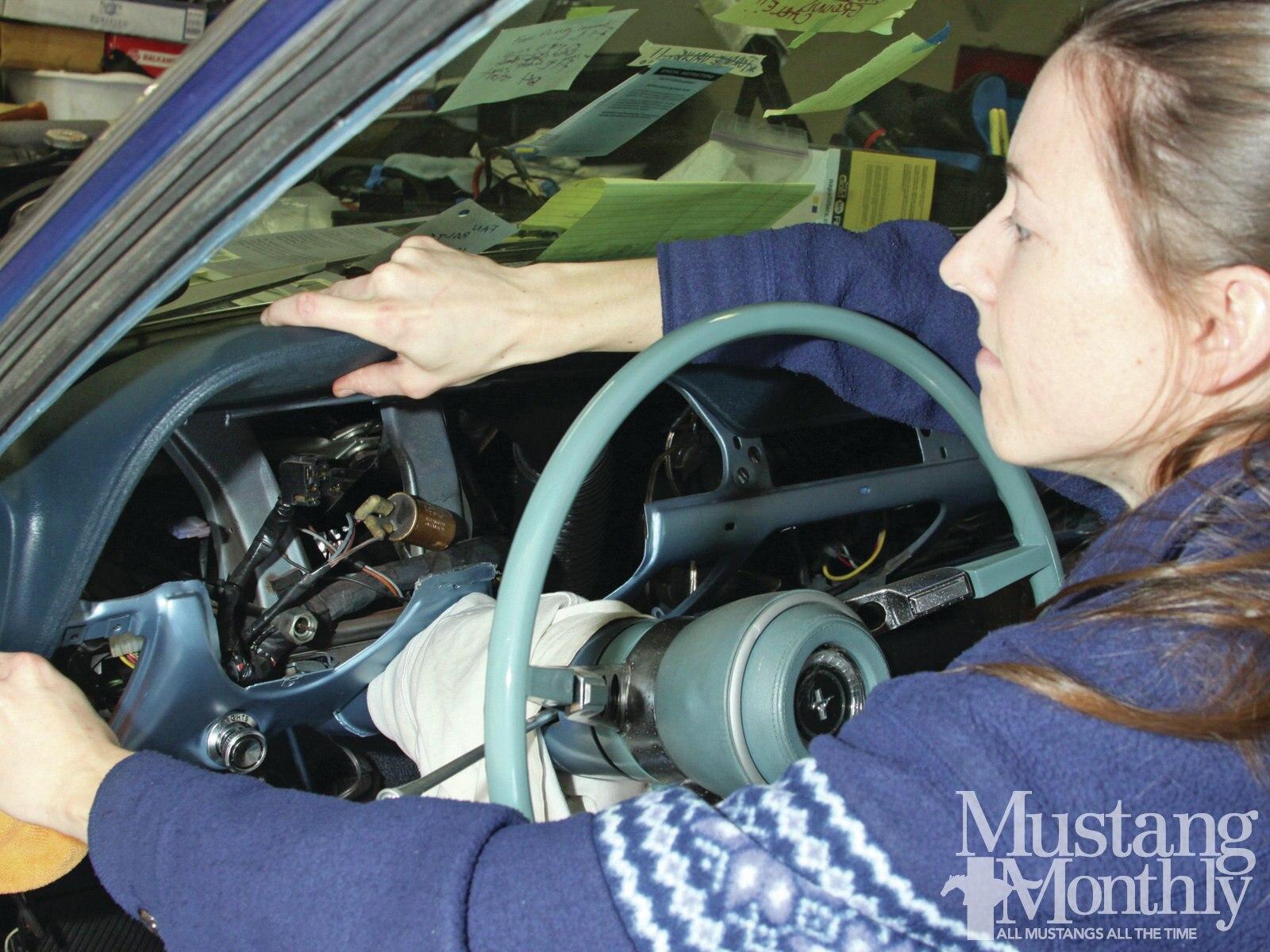 Mump 1206 000 Replace A Mustang Dashpad