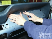 Mump_1206_008_replace_a_mustang_dashpad_