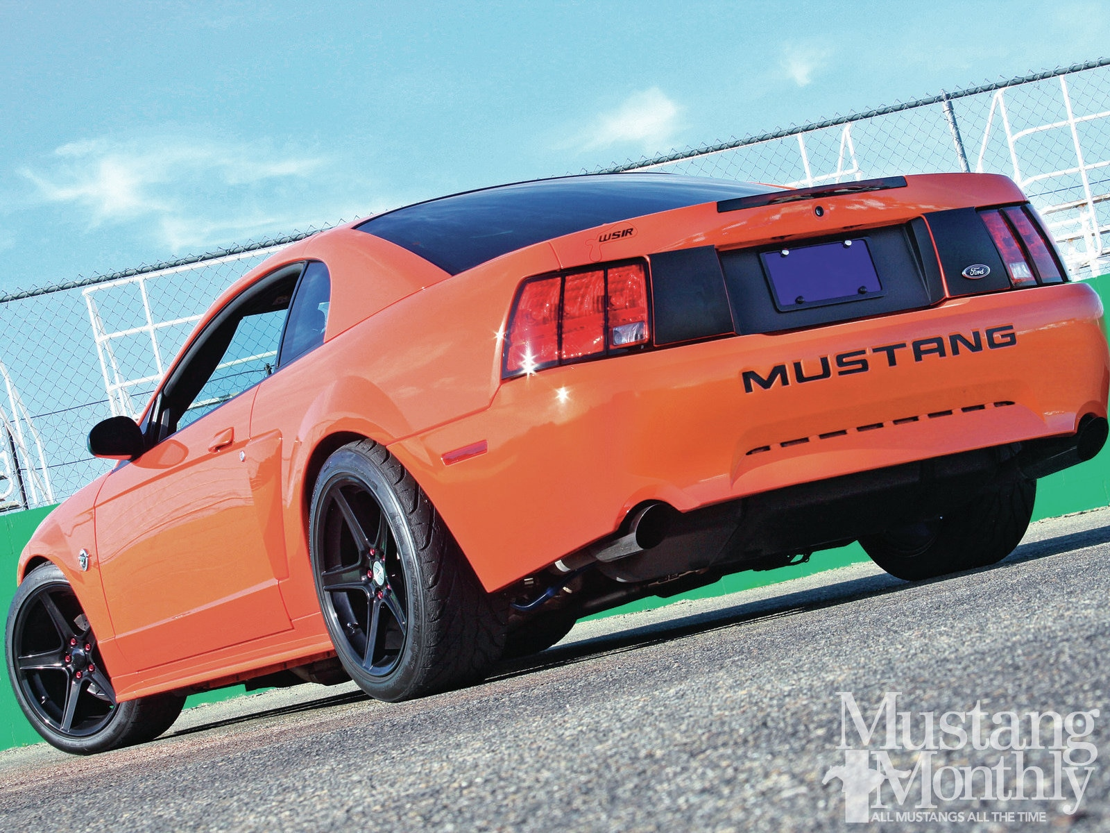 Mump 1301 02 2004 Ford Mustang Gt Rear Three
