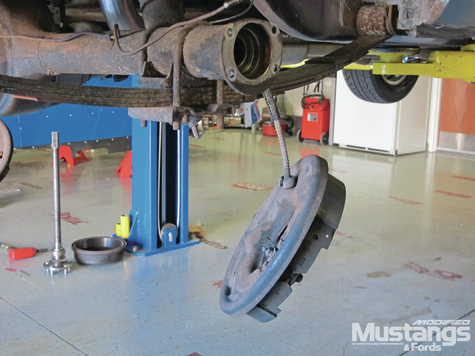Total Control Products Leaf Spring Install Axle Brake Lines