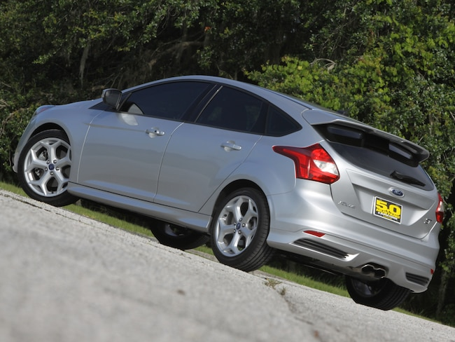 1213 Ford Focus St Rear View