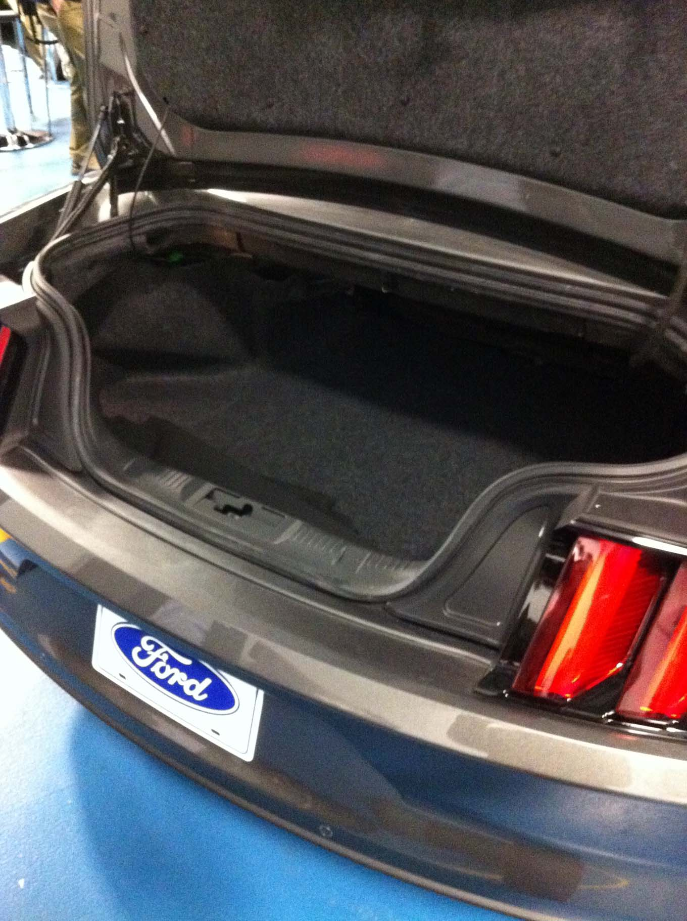 2015 Ford Mustang Convertible Trunk