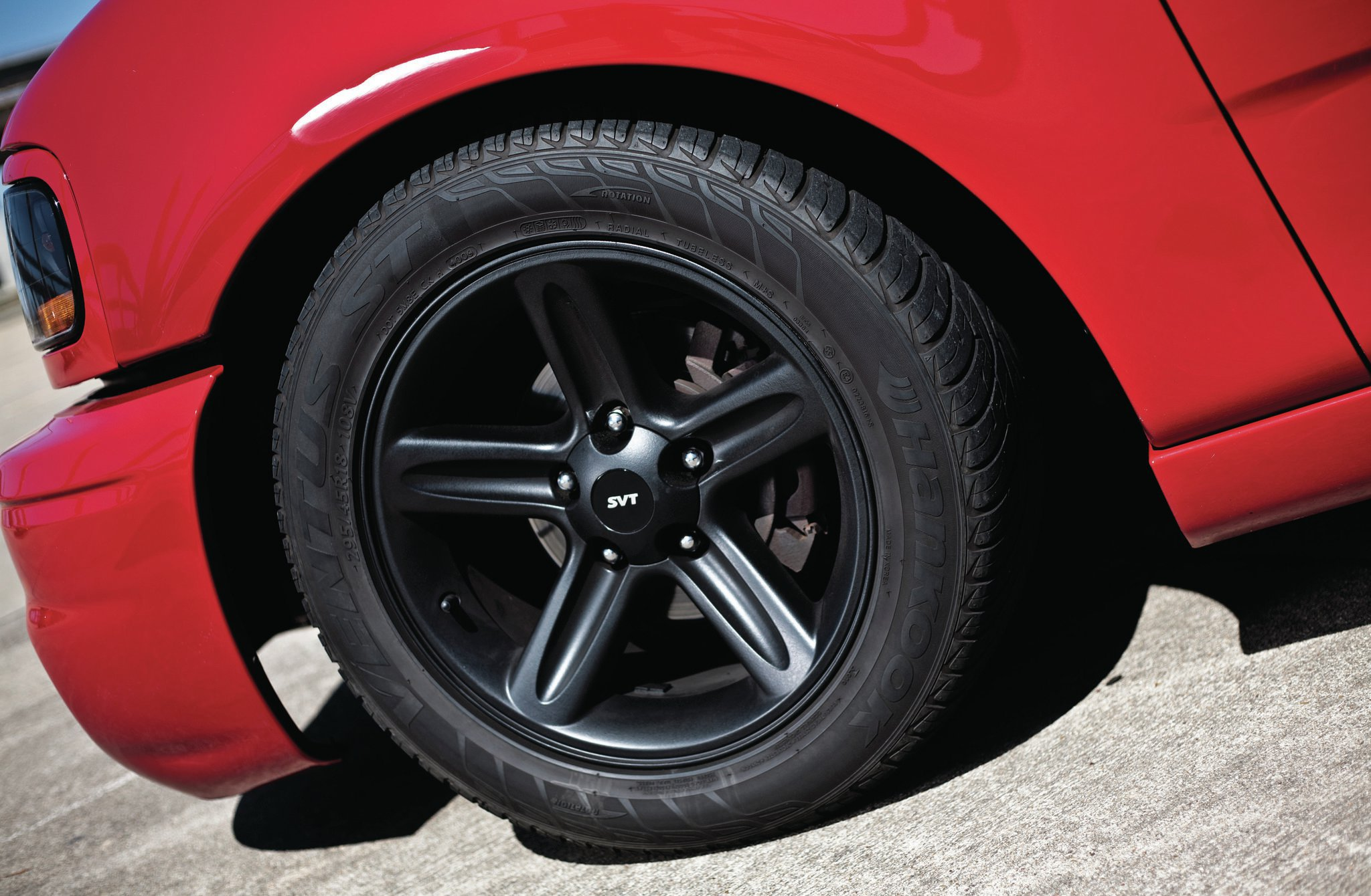 2004 Ford F150 Right Tire