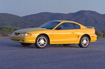 1994 Ford Mustang Sn 95 Yellow