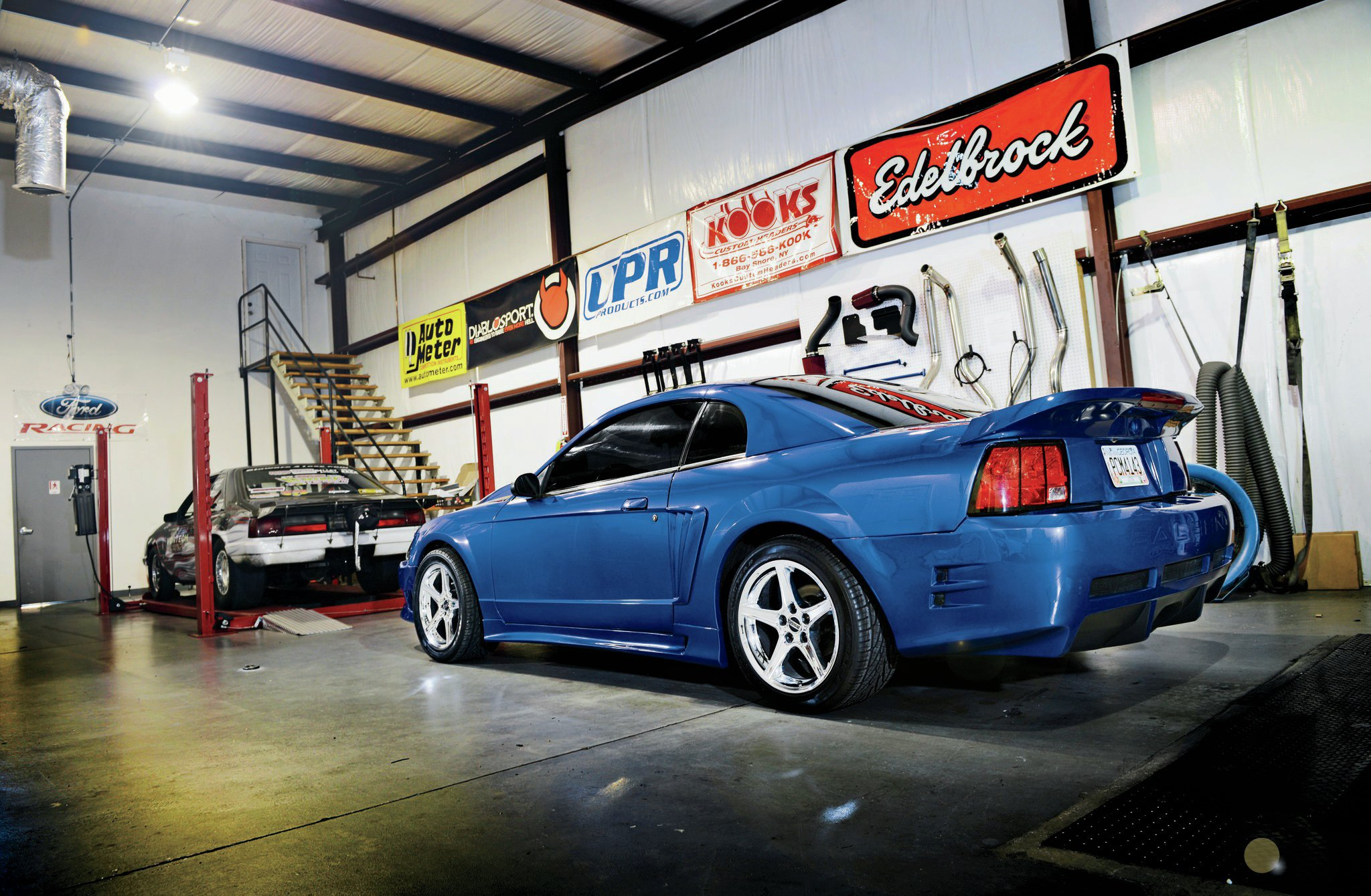 2002 Ford Mustang Rear Side View