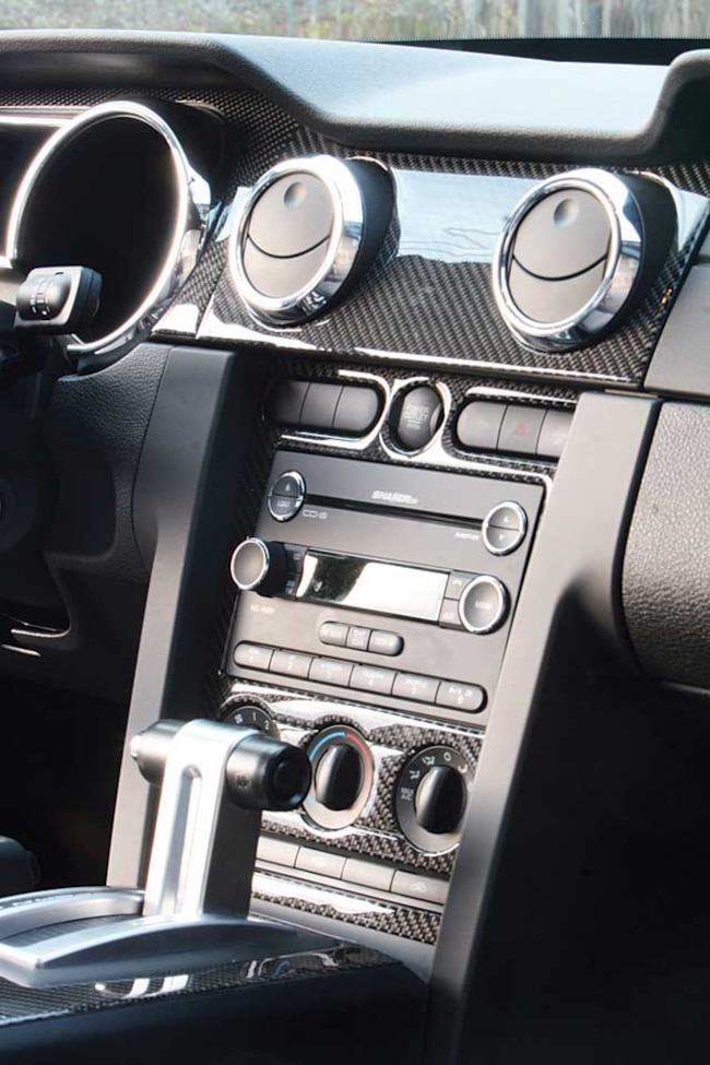 Mmfp_0805_roush_05_z 2008_roush_427R_mustang Console