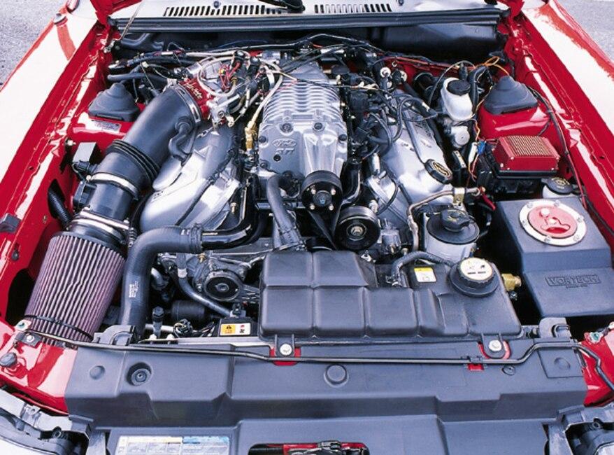 0306MM_08z 2003_Ford_Cobra Engine