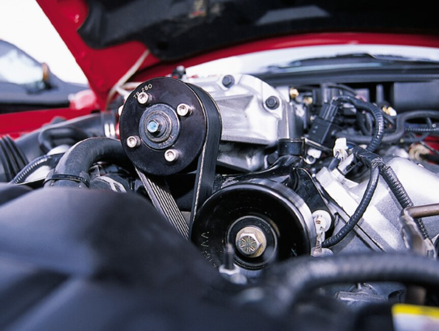 0306MM_10z 2003_Ford_Cobra Engine