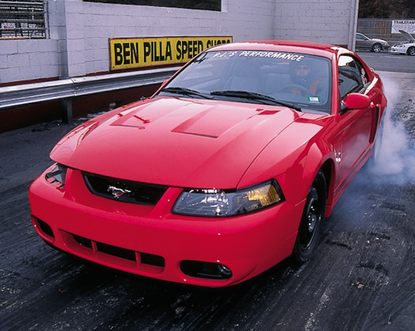 0306mm_04z 2003_Ford_Cobra Front_View_At_Track