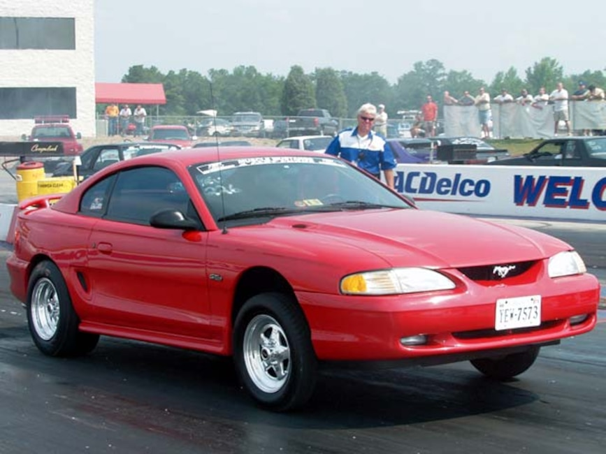 0211mmff_02zoom 1998_Ford_Mustang Passenger_Side_View_At_Track