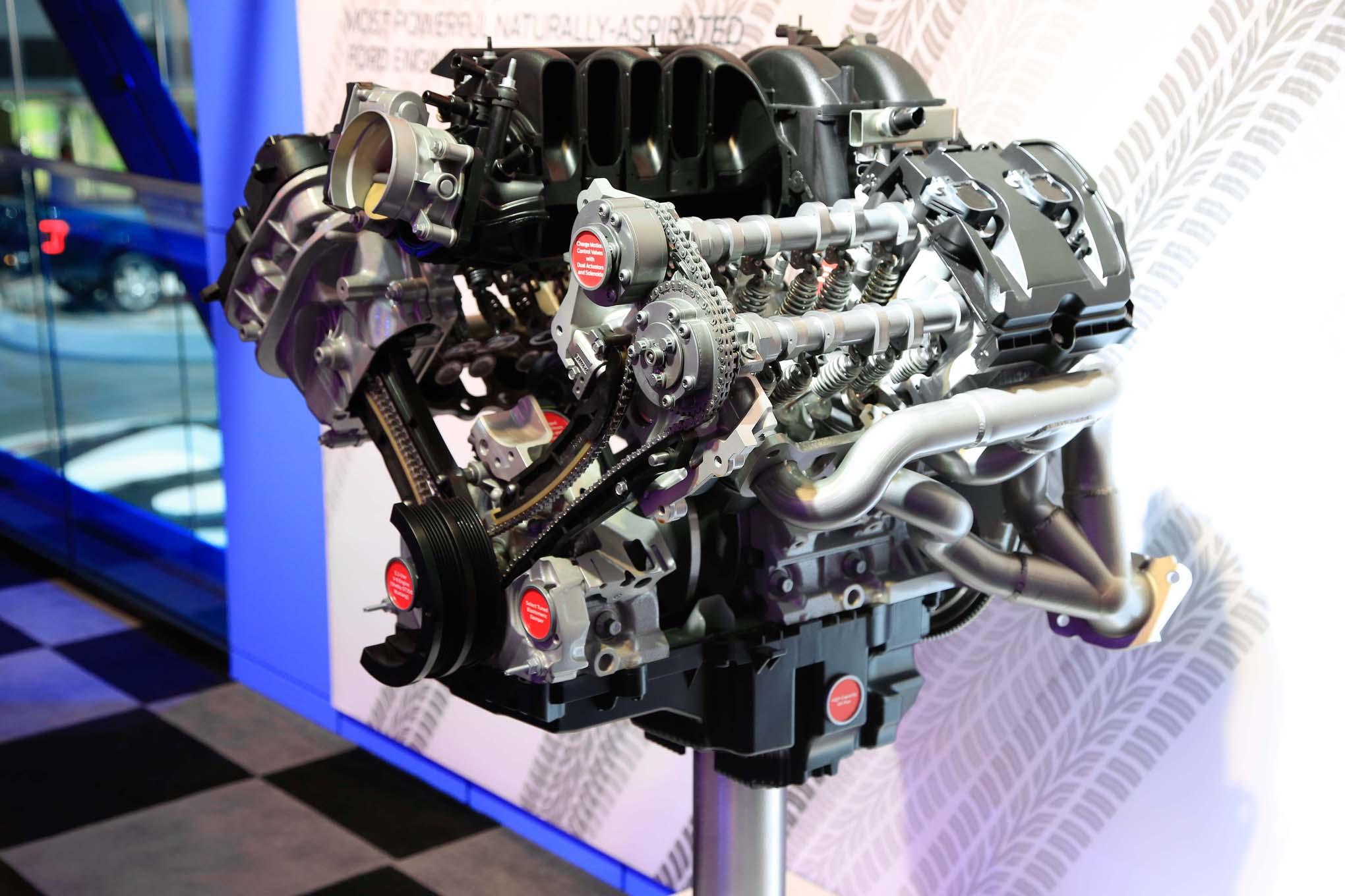 Ford Flat Plane Crank 5 2L V8  3