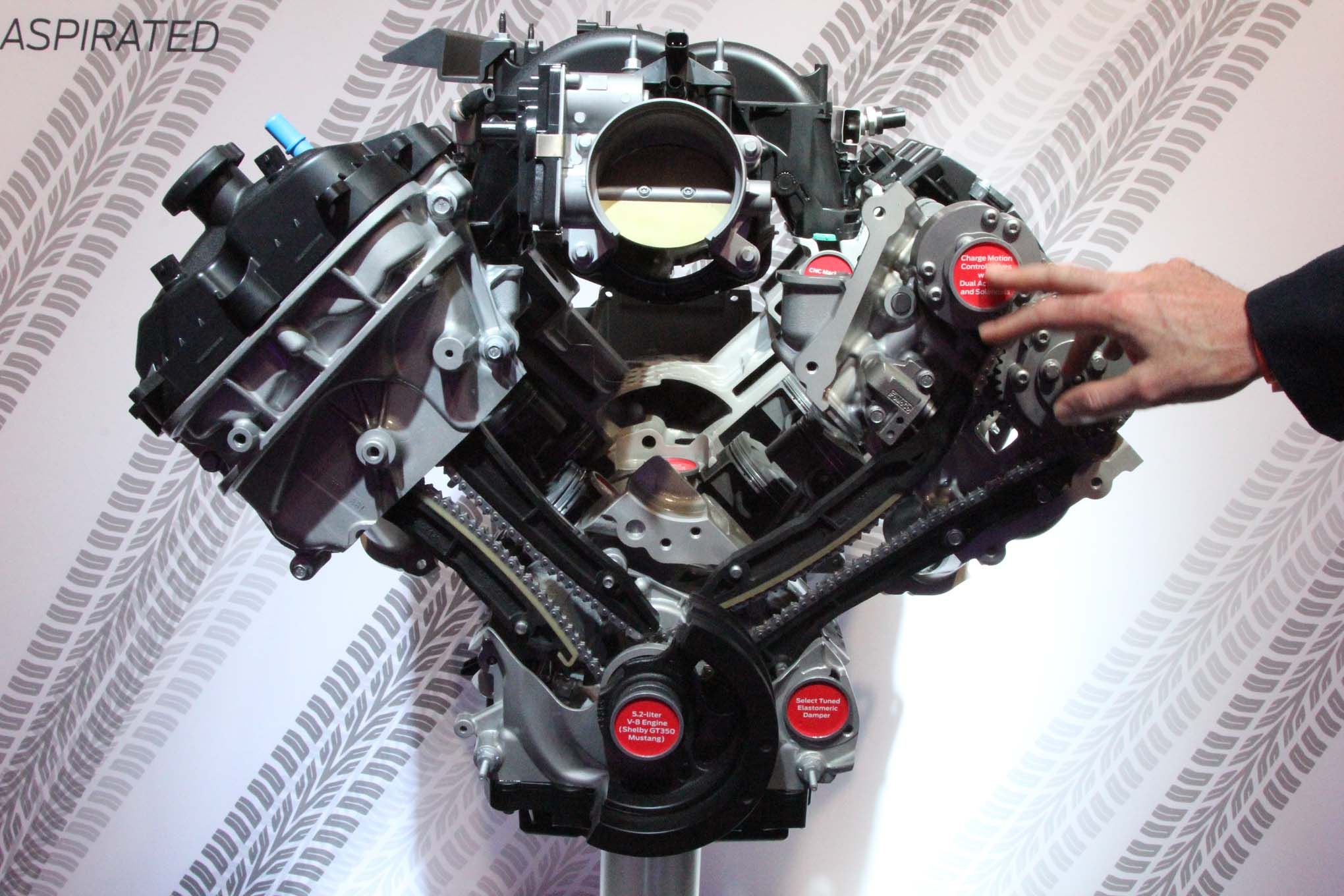Ford Booth NAIAS 2015 Flat Plane Crank 5 2L V8  1
