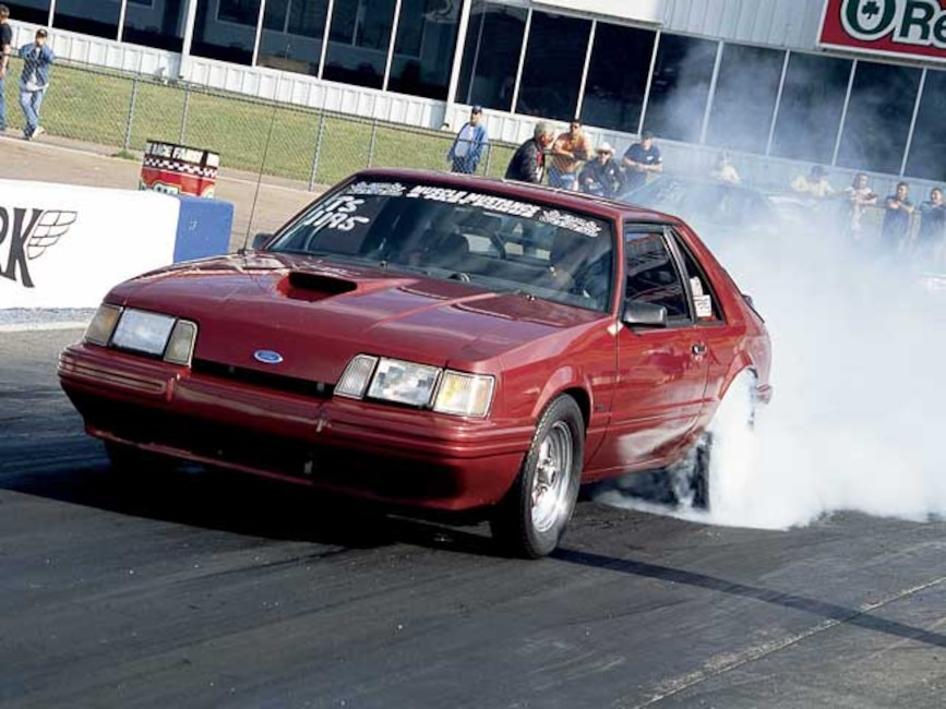 Mmfp_0509_04z Ford_Mustang Front_View_At_Track