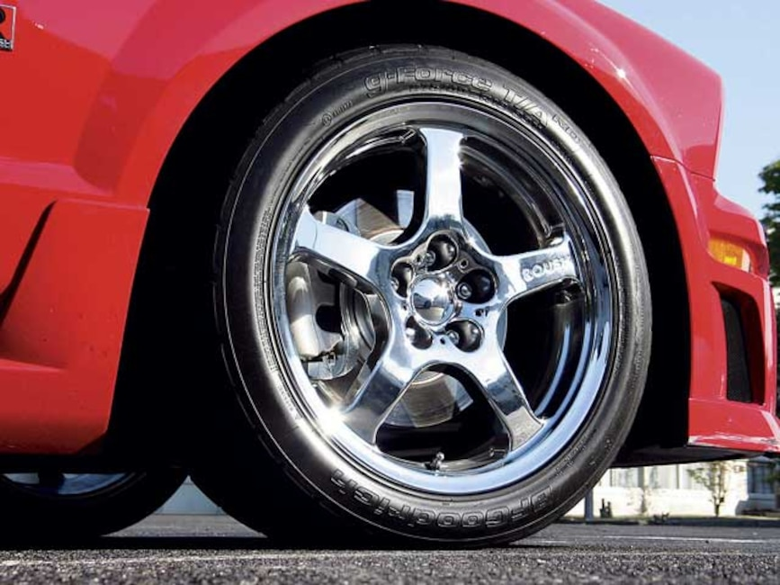 0509mmfp_13z 2005_ford_mustang_roush Wheel_view