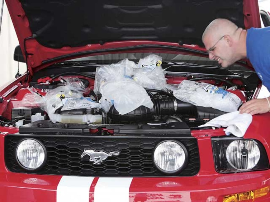 0509mmfp_06z 2005_ford_mustang_roush Engine_bay