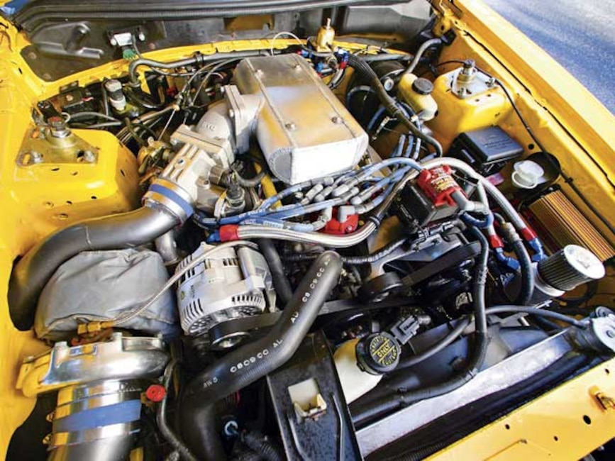 0601mmfp_03z 1994_ford_mustang_gt Engine_view