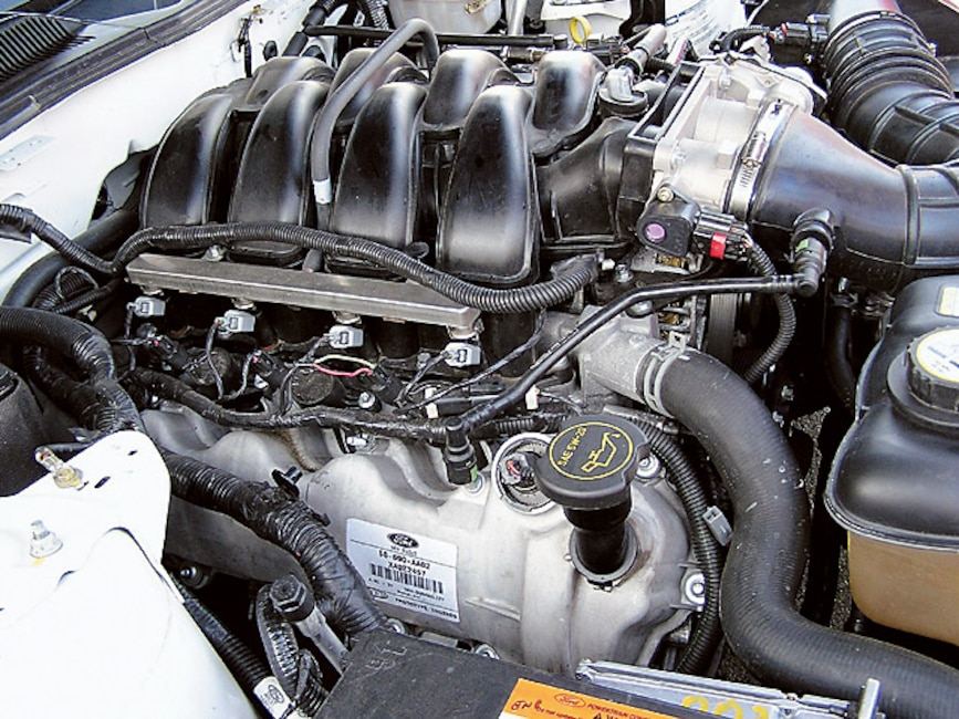 0408mm_58z 2005_Ford_Mustang Engine