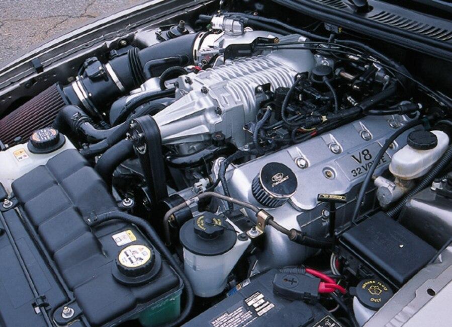 0306MM_13z 2003_Ford_Cobra Engine