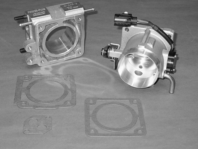 Mmfp_0403_3_z Edelbrock_induction_upgrade Throttle_body