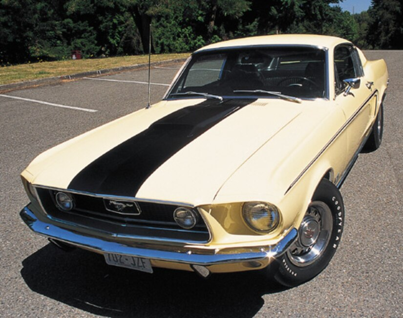 P64794_large 1968_Ford_Mustang_Cobra_Jet Front_View