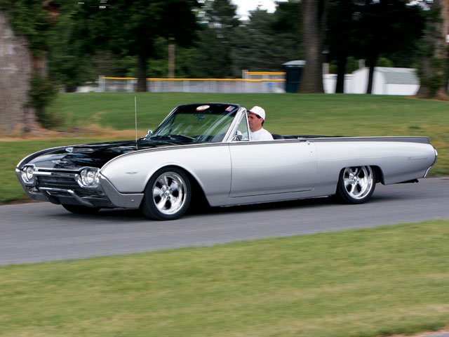 1961 Ford Thunderbird Cruising