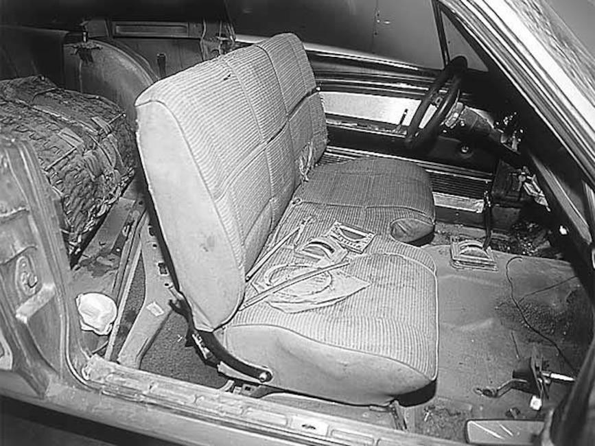 173_0011_10z 1967_Ford_Mustang_GT500 Interior