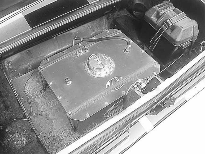 173_0011_6z 1967_Ford_Mustang_GT500 Fuel_Cell
