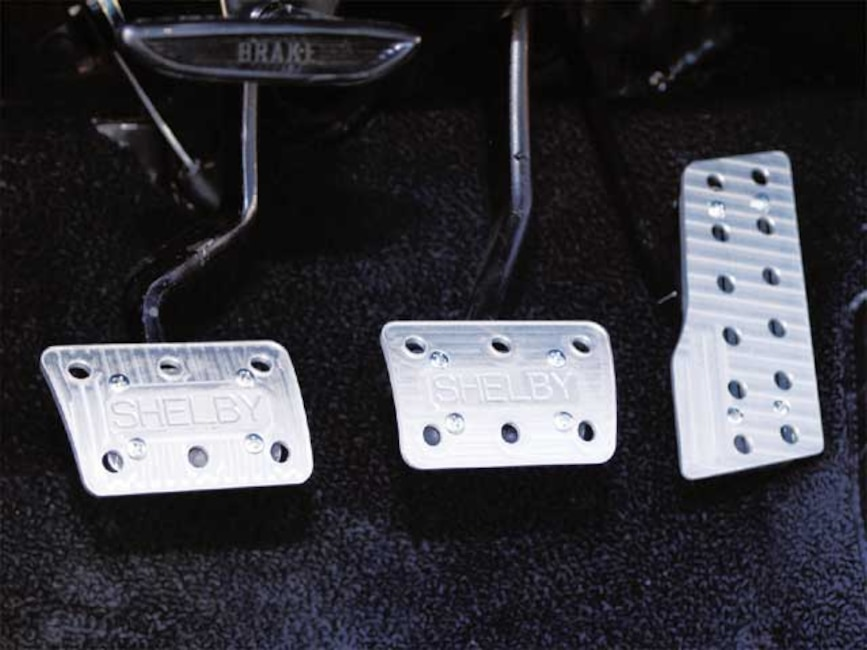 173_0409_10z 1967_Ford_Mustang_GT500E Interior_Pedals